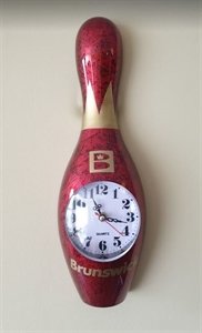 Bowling bábu falióra 30 cm-es piros képe